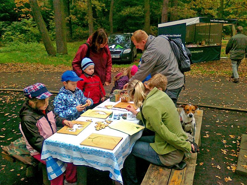 2012 – Lesní pedagogika – Den stromů aDen Země zoopark Chomutov